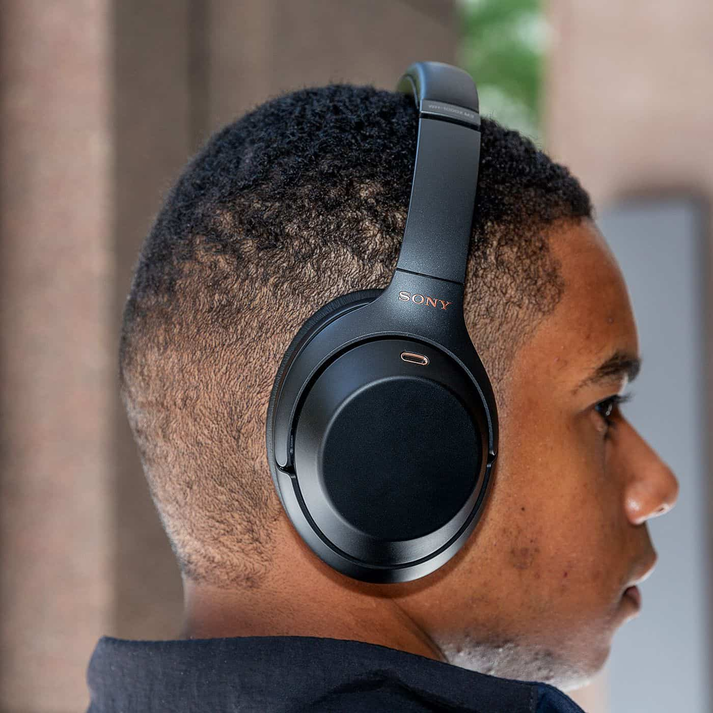 Best over-ear Noise Cancelling Headphones